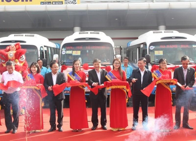 Chính thức khai trương tuyến xe buýt liên tỉnh Đà Nẵng - Huế - ảnh 1