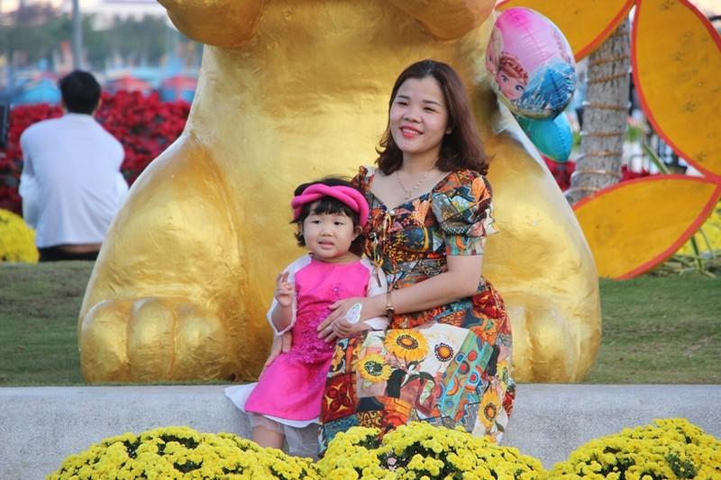 Trẩy hội trên đường hoa tết hơn 6 tỉ đồng ở Đà Nẵng - ảnh 10