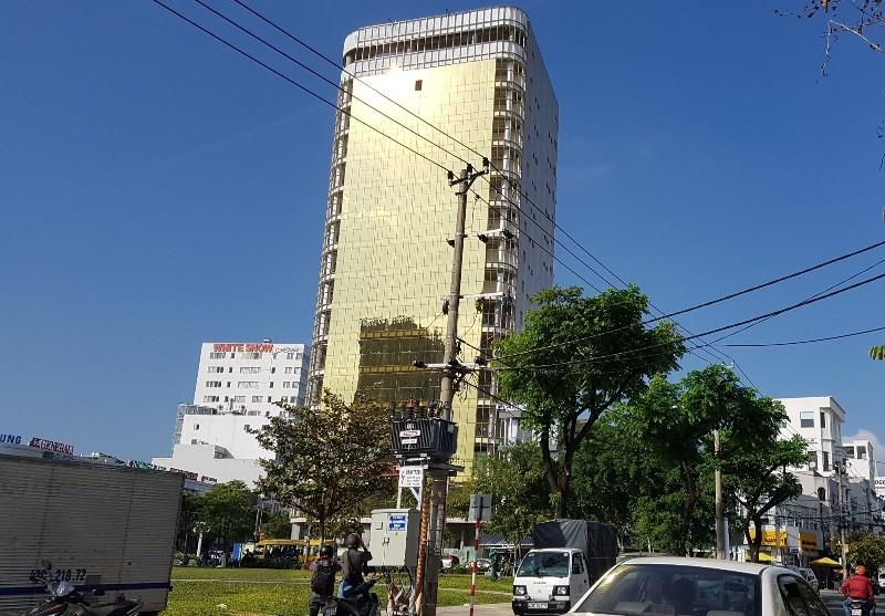 Kính phản quang rọi nhà dân, Đà Nẵng ra công văn chấn chỉnh - ảnh 1