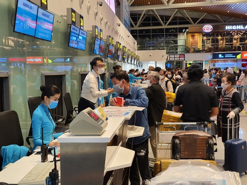Hoãn khai trương đường bay Viêng Chăn-Đà Nẵng vì COVID-19 - ảnh 1