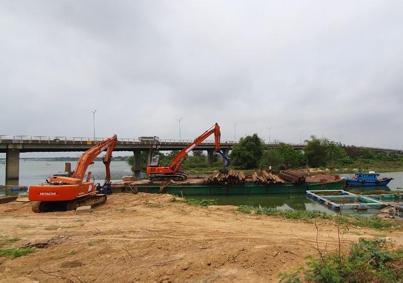Đà Nẵng đắp 2 đập tạm ngăn mặn cứu nước sinh hoạt - ảnh 2