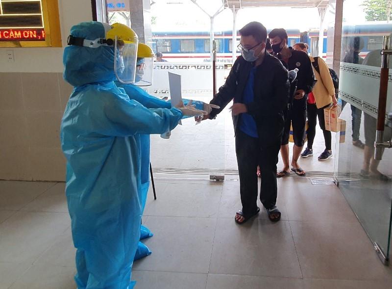 Quy trình nghiêm ngặt phòng COVID-19 tại ga Đà Nẵng - ảnh 8
