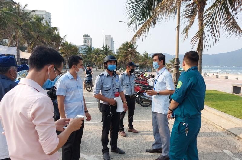 Đà Nẵng xử phạt hàng trăm trường hợp không đeo khẩu trang - ảnh 1