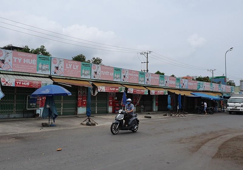 Bến xe, sân bay Đà Nẵng vắng lặng ngày đầu nới cách ly - ảnh 4