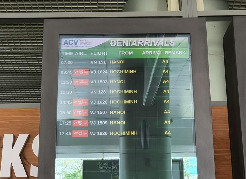 Bến xe, sân bay Đà Nẵng vắng lặng ngày đầu nới cách ly - ảnh 2