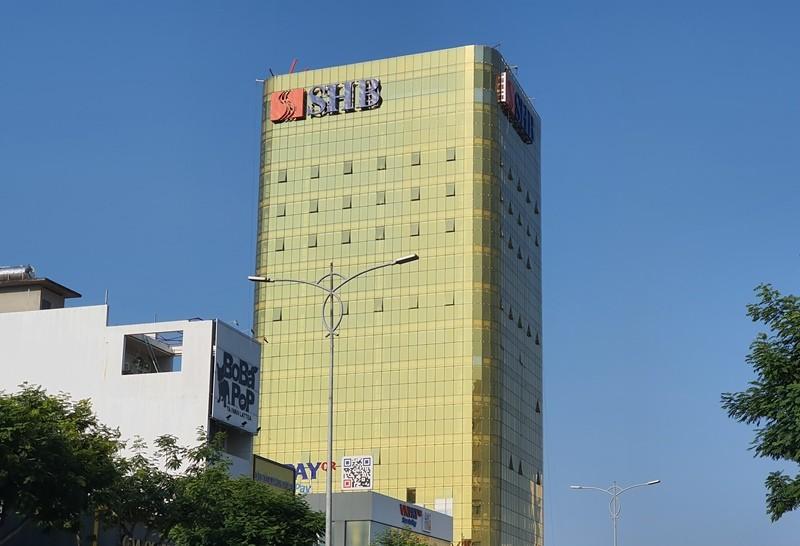 SHB xin phủ film chống phản quang tòa nhà gây 'nhức mắt' - ảnh 1