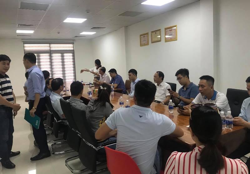 Người dân kéo đến trụ sở đối thoại với Công ty GAIA - ảnh 1