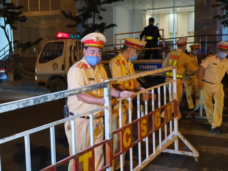 Cảnh phong tỏa không người dân Đà Nẵng nào từng mong muốn - ảnh 8