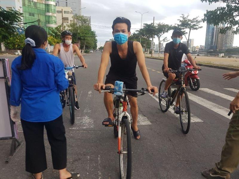 Đà Nẵng: Quân đội phun khử khuẩn toàn quận Sơn Trà chiều 3-8 - ảnh 3