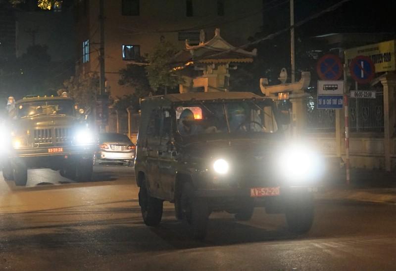Đà Nẵng: Quân đội phun khử khuẩn toàn quận Sơn Trà chiều 3-8 - ảnh 1