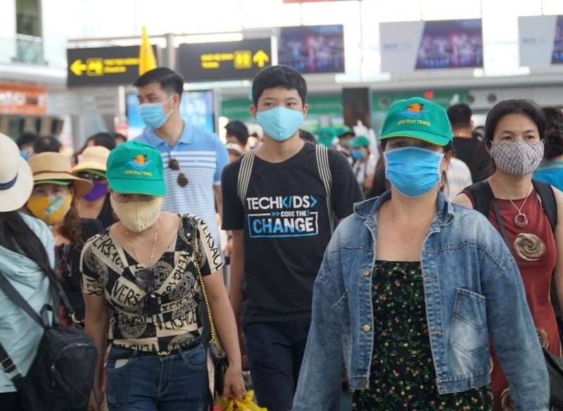 2 chuyến bay đưa hơn 400 khách mắc kẹt tại Đà Nẵng về quê - ảnh 1
