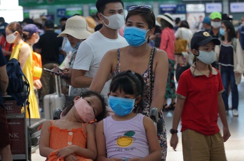 Khẩn: 15 giờ chiều nay, hạn cuối du khách đăng ký rời Đà Nẵng - ảnh 1