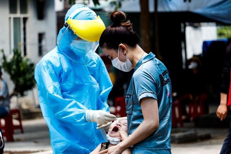 Lấy hơn 400 mẫu xét nghiệm liên quan 2 ca COVID-19 ở Đà Nẵng   - ảnh 4