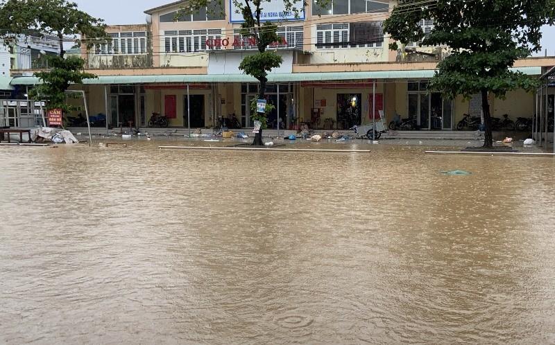 'Rốn lũ' Đại Lộc - Quảng Nam: 1.700 nhà ngập sâu, 1 người chết - ảnh 6