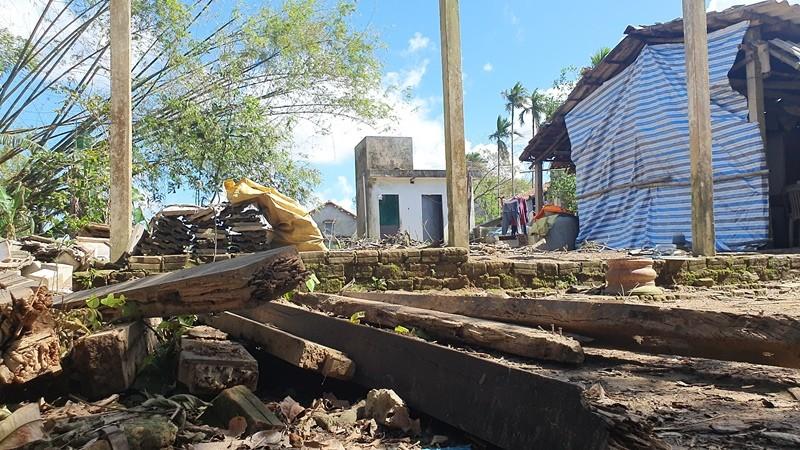 Bạn đọc báo Pháp Luật TP.HCM sẽ dựng lại những căn nhà sau bão - ảnh 2