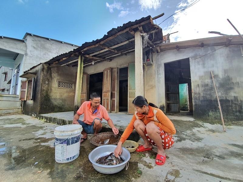 Bạn đọc báo Pháp Luật TP.HCM sẽ dựng lại những căn nhà sau bão - ảnh 4