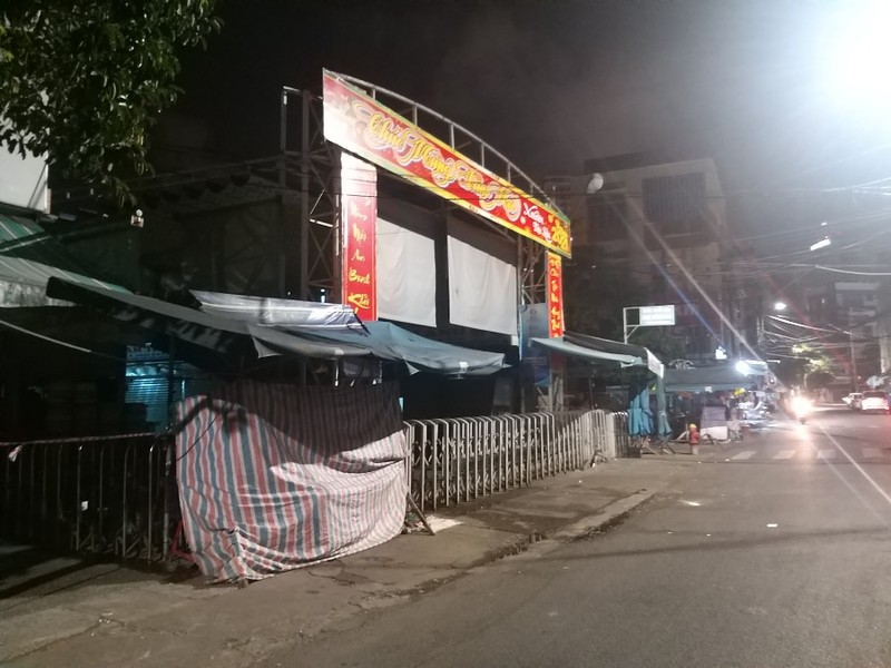Đà Nẵng đóng cửa chợ Đống Đa vì có ca COVID-19 đến mua sắm - ảnh 1