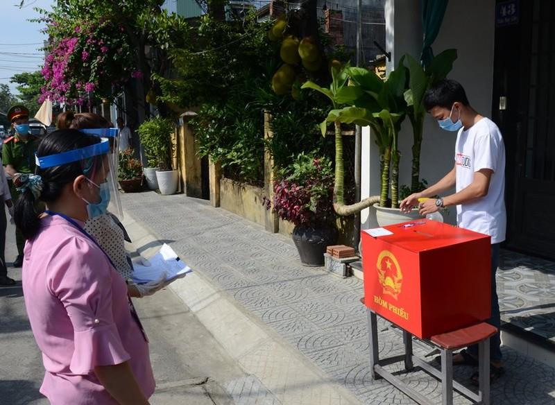 Đà Nẵng: Người cách ly sẽ được bỏ phiếu bầu cử trước cửa nhà - ảnh 2