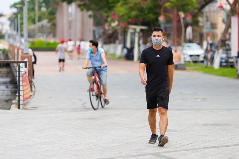 Đà Nẵng yêu cầu không tập trung quá 5 người tại nơi công cộng - ảnh 1