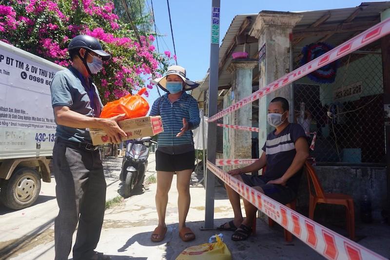 Cử tri than phiền hỗ trợ dịch không đều, Đà Nẵng cho biết sẽ hỗ trợ tiếp - ảnh 1
