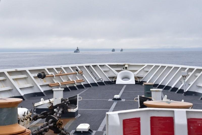 Mỹ: 4 tàu chiến TQ đi vào vùng đặc quyền kinh tế Mỹ ngoài khơi bang Alaska - ảnh 1