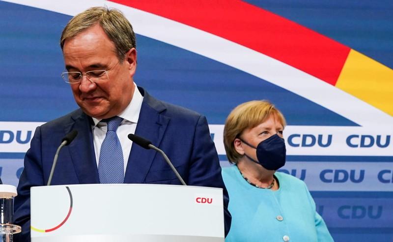Bầu cử Đức: Kết quả sát sao, đảng của bà Merkel chỉ xếp thứ hai - ảnh 1