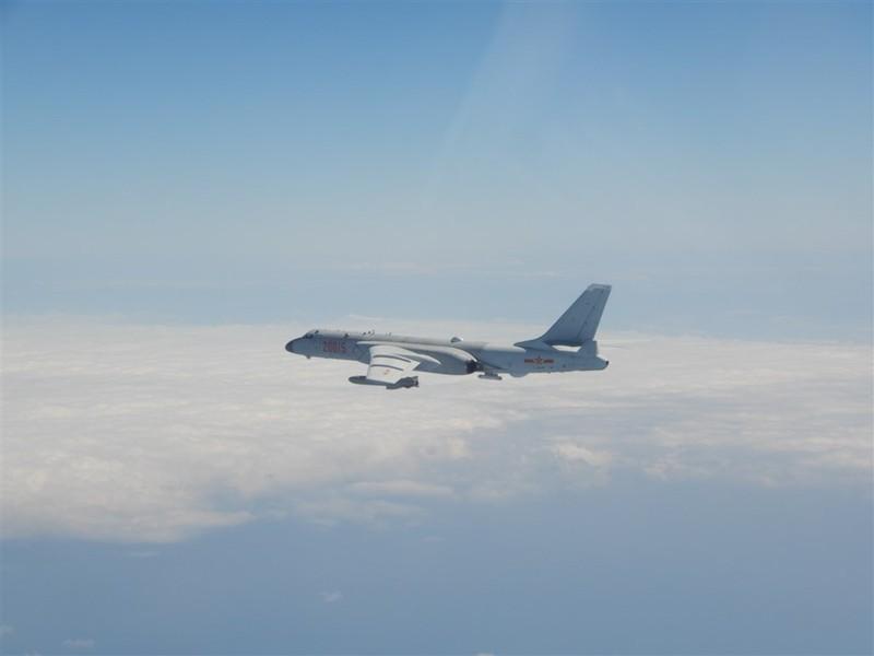 Trung Quốc điều kỷ lục 38 máy bay áp sát Đài Loan trong một ngày - ảnh 1