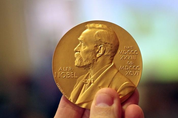 Nhận diện điểm tương đồng của bốn giải Nobel tính đến lúc này - ảnh 1