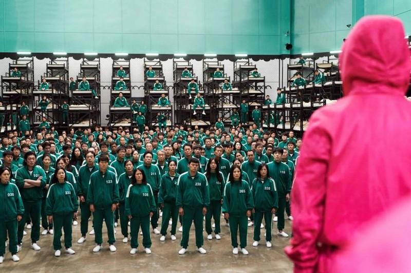 Dân mạng Hàn-Trung tranh cãi nguồn gốc trang phục trong phim 'Squid Game' - ảnh 1