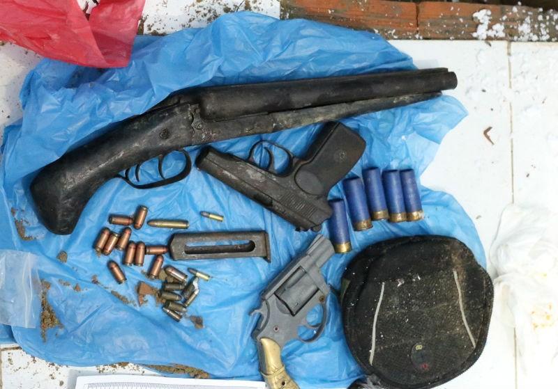 Triệt phá đường dây ma túy có nhiều súng đạn - ảnh 2