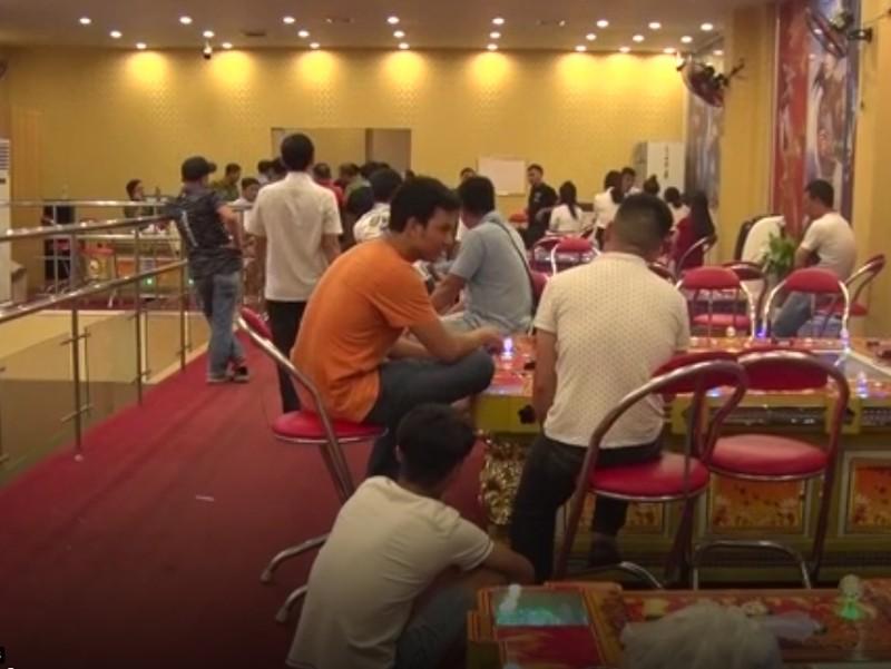 Người Trung Quốc quản lý ổ đánh bạc núp bóng chơi game - ảnh 1
