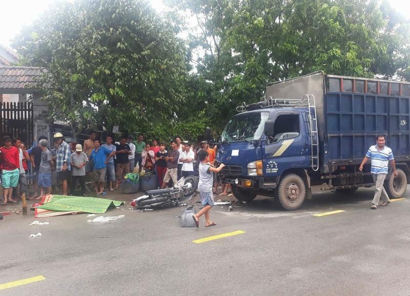 Đấu đầu xe tải, 2 thanh niên tử vong tại chỗ - ảnh 1
