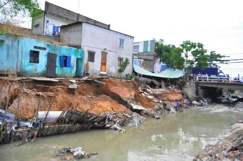 Phó chủ tịch TP Biên Hòa bị kỷ luật vì bờ kè sập đổ - ảnh 1