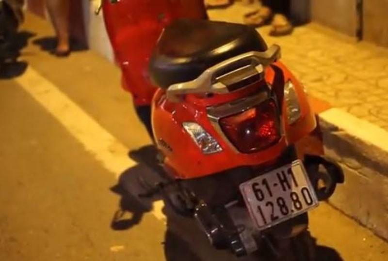 Cô gái bỏ xe máy trên cầu, nhảy sông Sài Gòn mất tích - ảnh 2