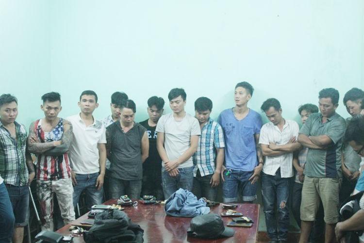 Bắt 38 người vụ giang hồ nổ súng tối 30 Tết ở Biên Hòa - ảnh 1