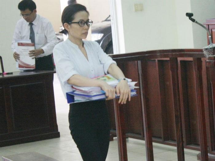 Tạm đình chỉ điều tra bị can, nữ Phó tổng GĐ kêu oan