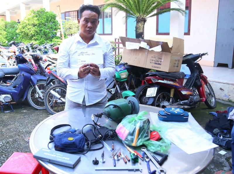 2 người chuyên đập kính ô tô ở Bình Dương, Đồng Nai bị bắt - ảnh 1
