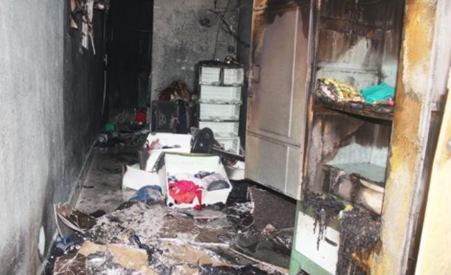 Nghi buồn chuyện gia đình, người đàn ông đốt nhà rồi tự thiêu - ảnh 1