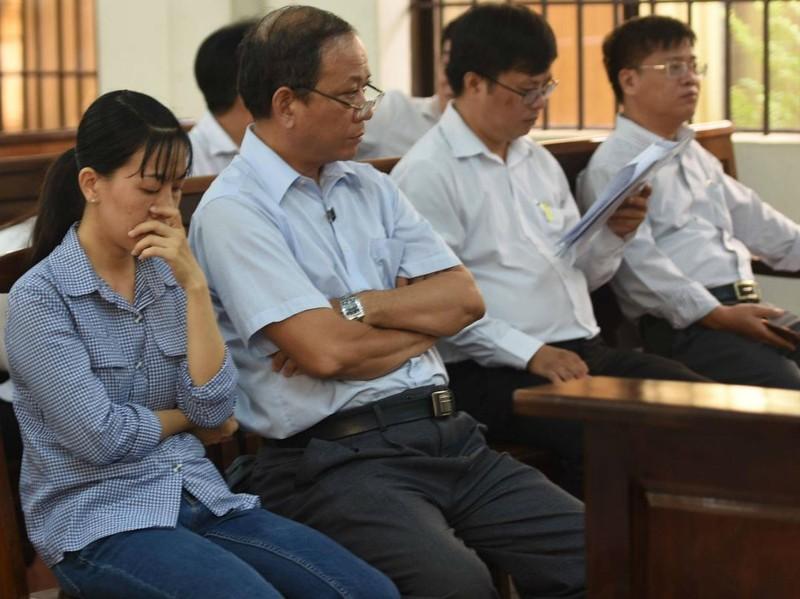 Hoãn xử cựu trưởng ban tổ chức thành ủy Biên Hòa ăn chặn tiền - ảnh 1