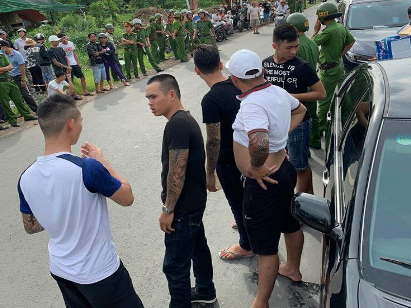 Những người trong xe bị giang hồ Đồng Nai bao vây là công an - ảnh 1