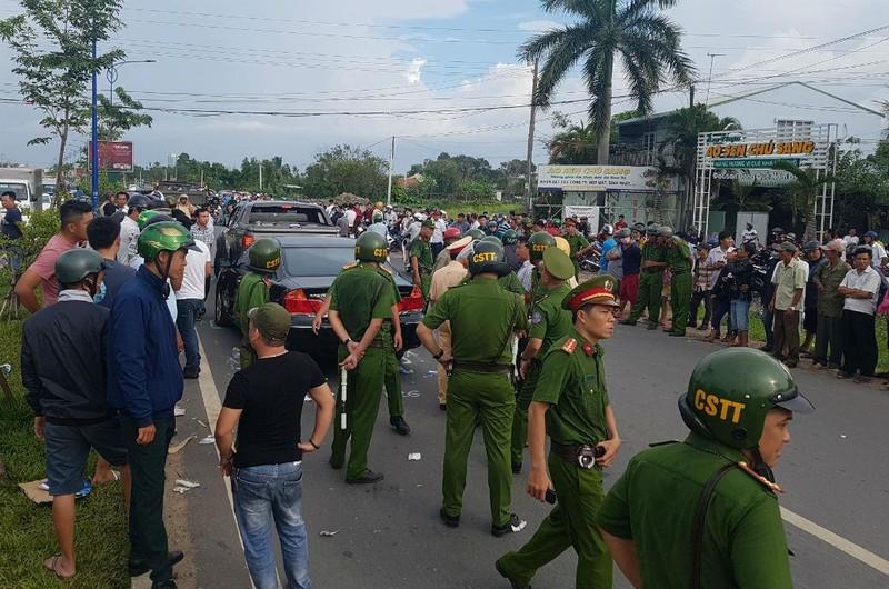 Vụ vây xe ở Đồng Nai: Người bị đánh trong quán yêu cầu khởi tố - ảnh 2