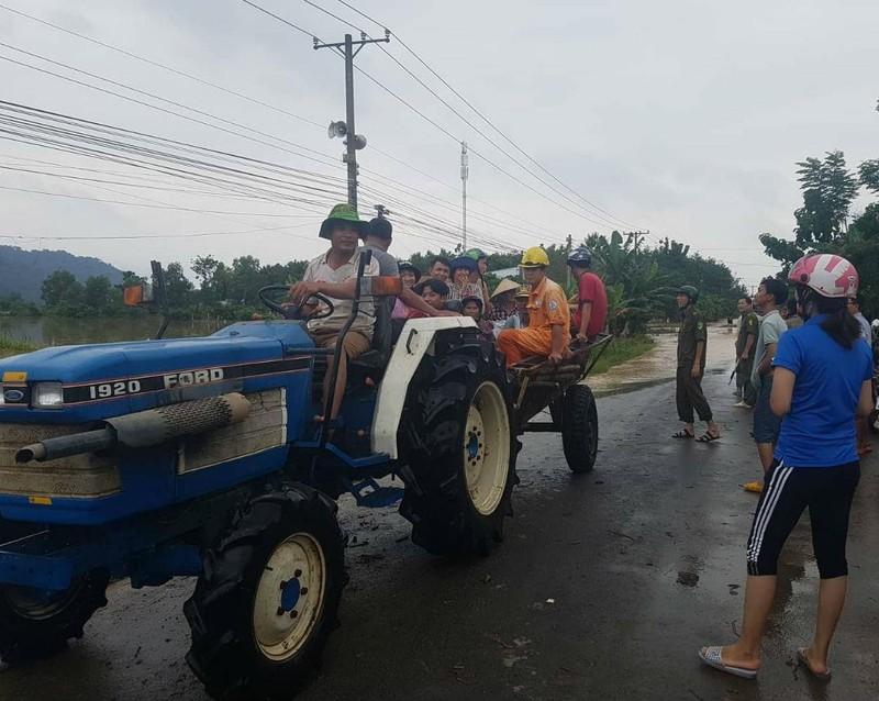 Những hình ảnh ngập lũ tại tỉnh Đồng Nai - ảnh 6