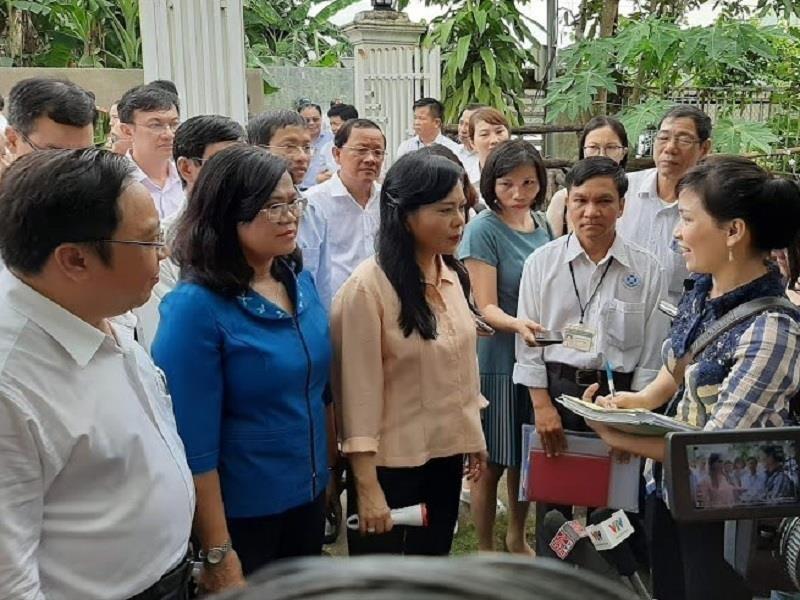 Bộ trưởng Bộ Y tế 'thị sát' điểm nóng sốt xuất huyết - ảnh 1