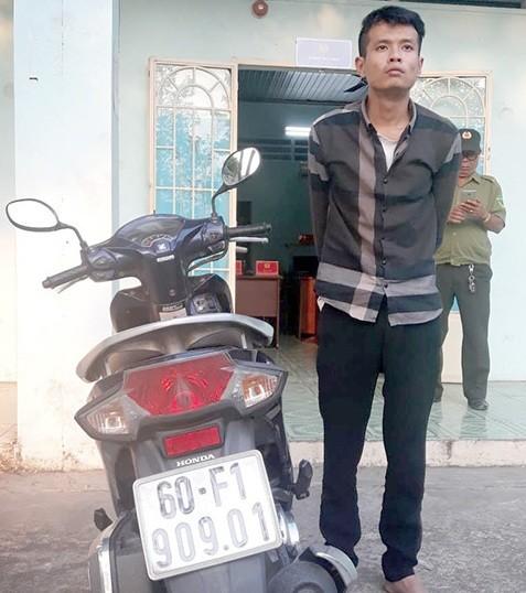 Nhóm trộm ở Biên Hòa bỏ lại ô tô để trốn - ảnh 1