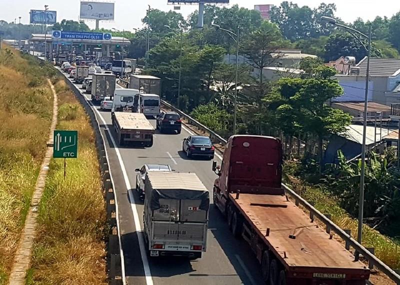 Điểm kẹt xe cao tốc TP.HCM - Long Thành - Dầu Giây ngày tết - ảnh 1