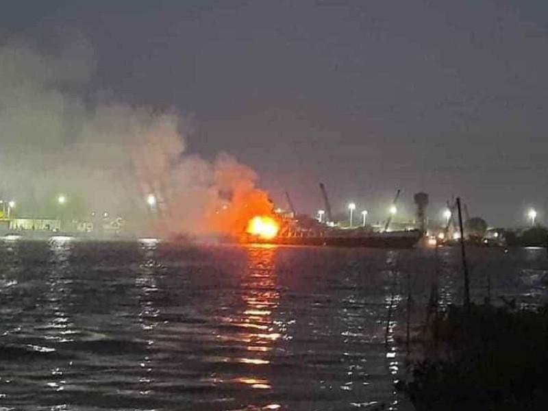 Tàu chở xăng phát nổ trên sông Đồng Nai, 3 người tử vong - ảnh 1