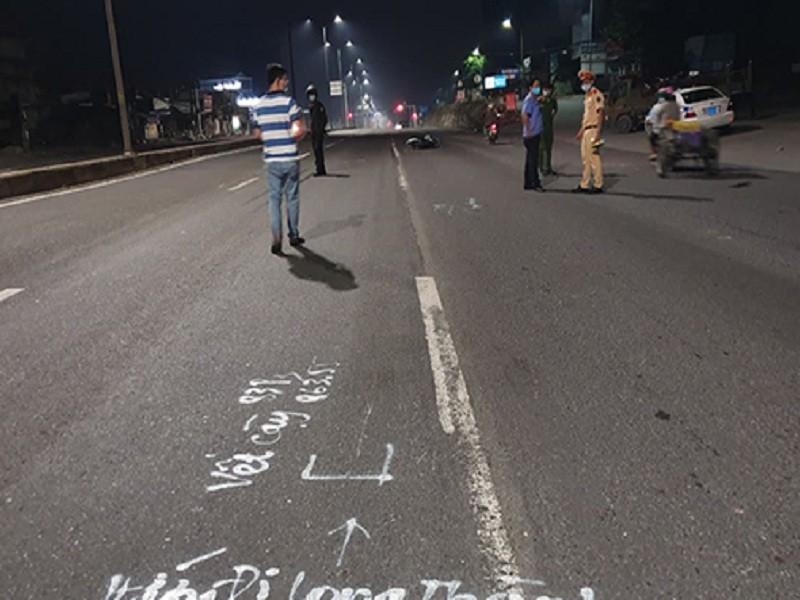 Ngăn chặn 100 người đua xe, 1 cảnh sát bị thương nặng - ảnh 1