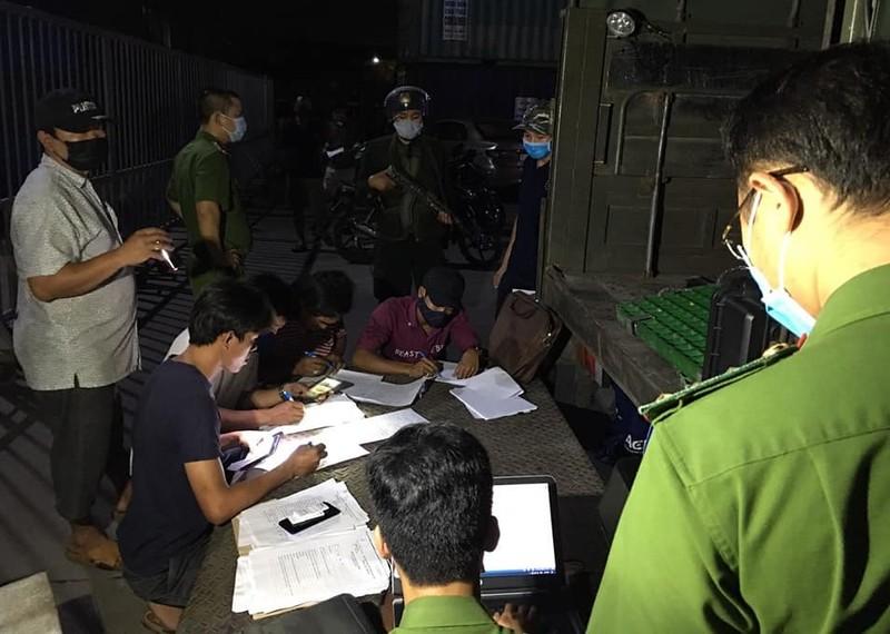 GĐ Công an Đồng Nai trực tiếp chỉ đạo xử lý đoàn xe 'hổ vồ' - ảnh 3