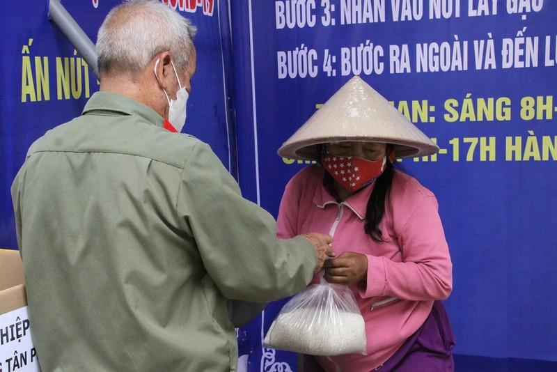 Đồng Nai: Xuất hiện hàng loạt 'ATM gạo' cho người khó khăn   - ảnh 9