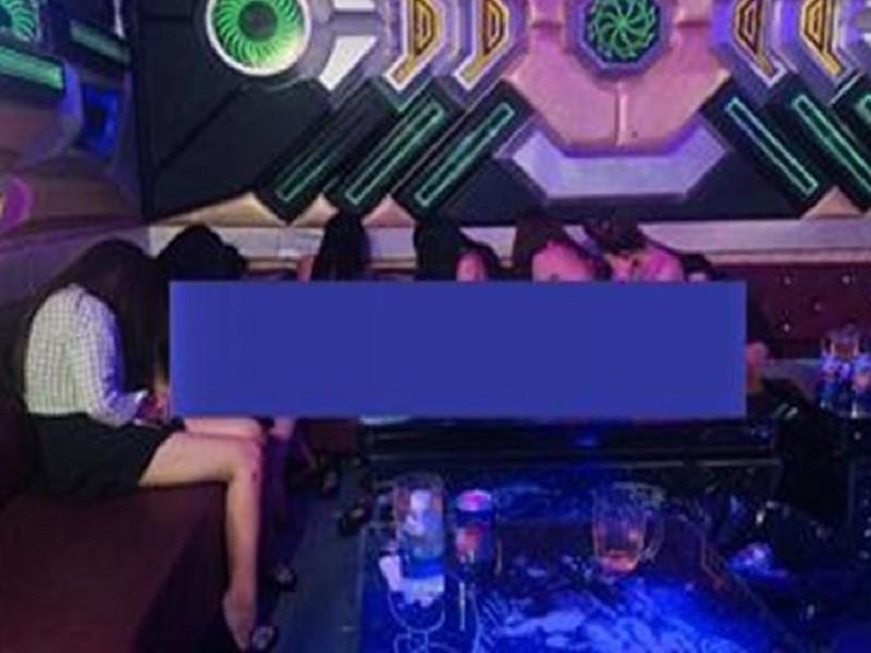 Đồng Nai: Nhiều nữ tiếp viên múa thoát y trong quán karaoke - ảnh 1
